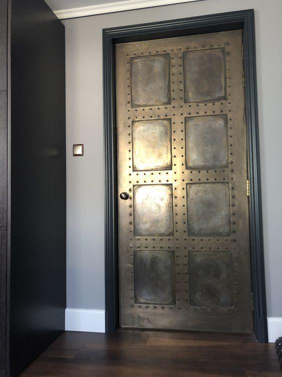 鉄製の扉&壁_d0335577_12071070.jpg