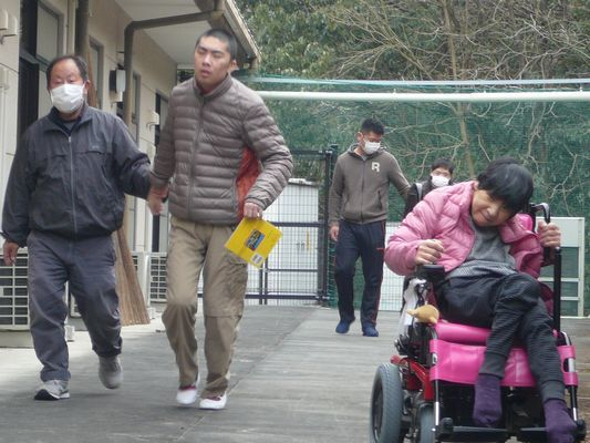 2/13  散歩_a0154110_10133067.jpg