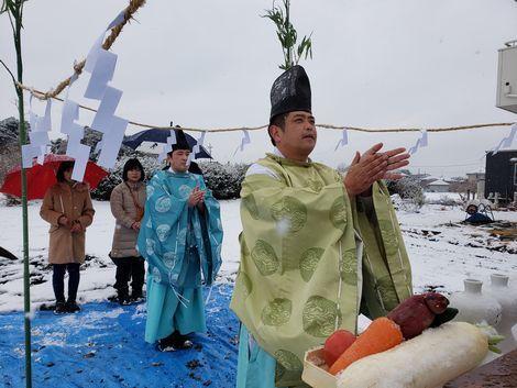 雪ニモマケズ、地鎮祭。_a0059217_15361313.jpg