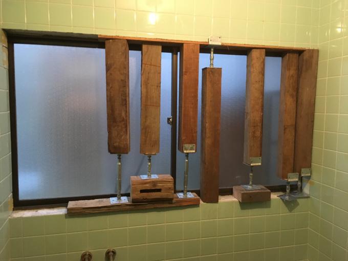 お風呂場その3。タイルを貼っていきます!_f0182246_21252159.jpg