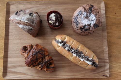 パン屋もチョコレートいろいろありますよ!_c0172969_11275698.jpg