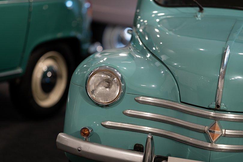 斜め上を行くフランス大衆車たち_d0353489_19314712.jpg