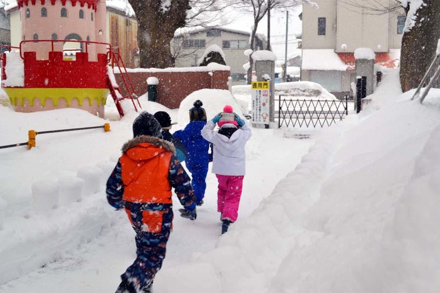園児雪まつり_d0353789_15015104.jpg
