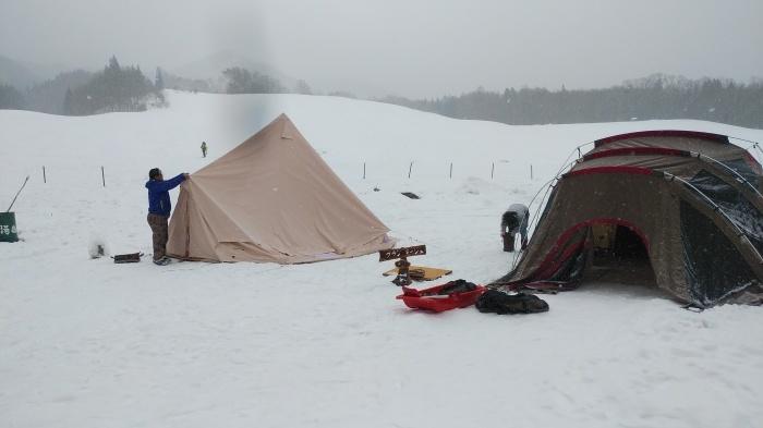 雪中キャンプ in一色の森キャンプ場 2_a0049296_18545434.jpg