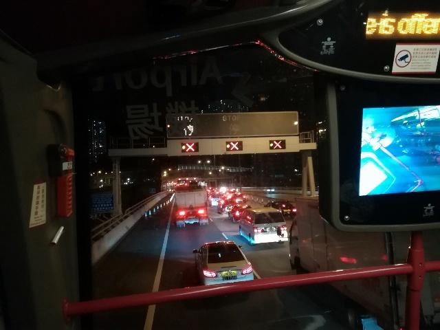 渋滞に巻き込まれ危機一髪!城巴機場快線A21@海防道→機場(2號客運大樓)_b0248150_17282153.jpg