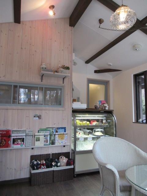 Cafe Patra /カフェ パトラ * 絶品のレモンシフォンパイ & 2月のレモンパフェ♪_f0236260_16462921.jpg