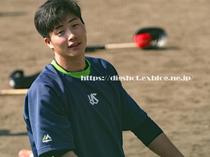 KIA戦で3ランと満塁弾!廣岡大志選手キャンプ(動画4)_e0222575_1143072.jpg