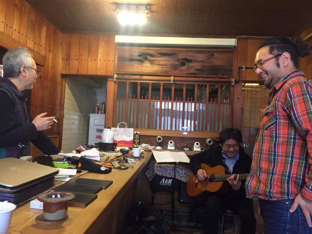 京都から先輩ギタリスト岡本博文さんを迎えて、やんやのギター三昧。_a0334793_15224847.jpg
