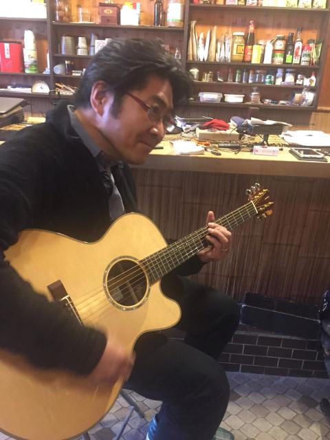 京都から先輩ギタリスト岡本博文さんを迎えて、やんやのギター三昧。_a0334793_15231606.jpg