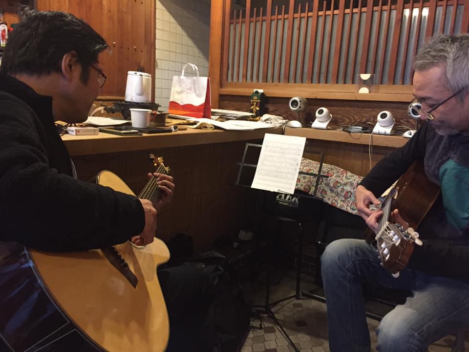 京都から先輩ギタリスト岡本博文さんを迎えて、やんやのギター三昧。_a0334793_15231955.jpg