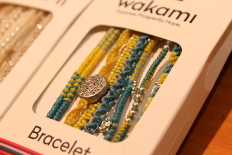 南米グアテマラの「WAKAMI」というアクセサリブランド_f0191324_08333490.jpg