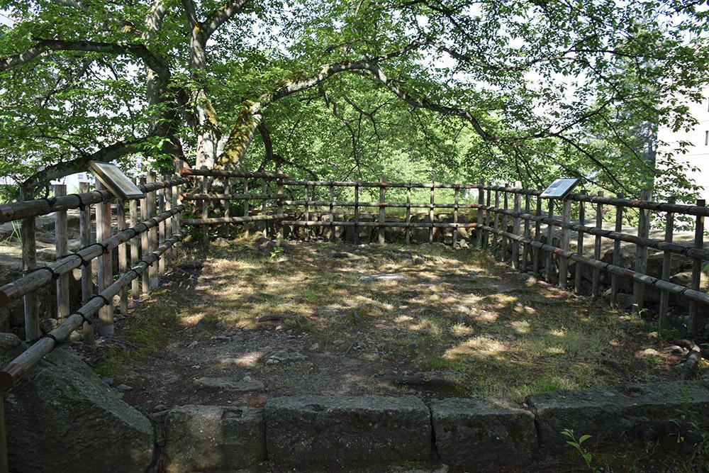 越前松平家の福井城跡を歩く。 その1 ~内堀、石垣~_e0158128_21094158.jpg