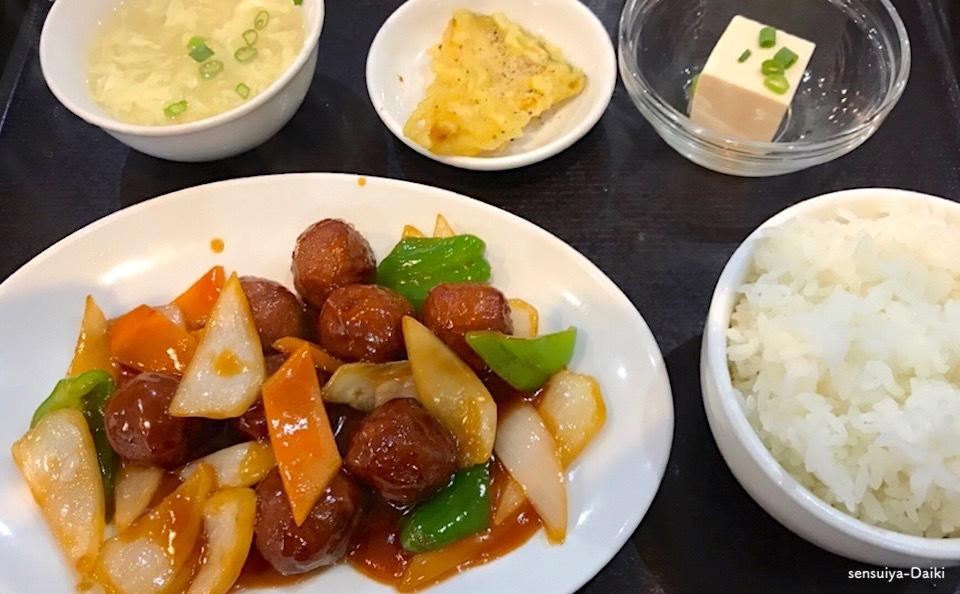 肉だんごの甘酢ソースがけ定食_e0158261_13304991.jpeg