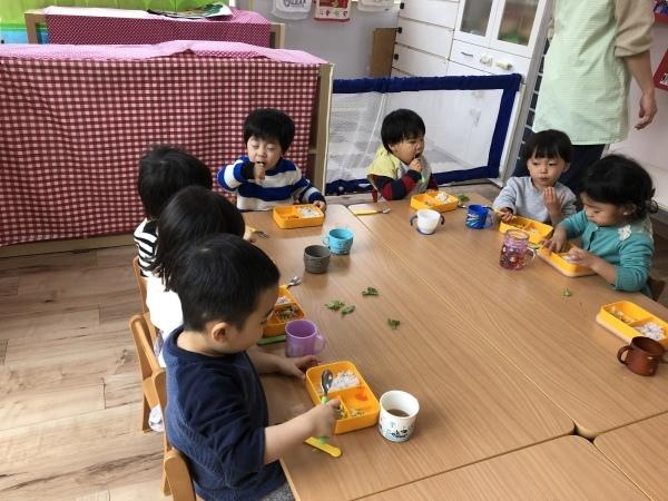 リトルピエノ保育園〜給食〜_a0318871_22580265.jpeg