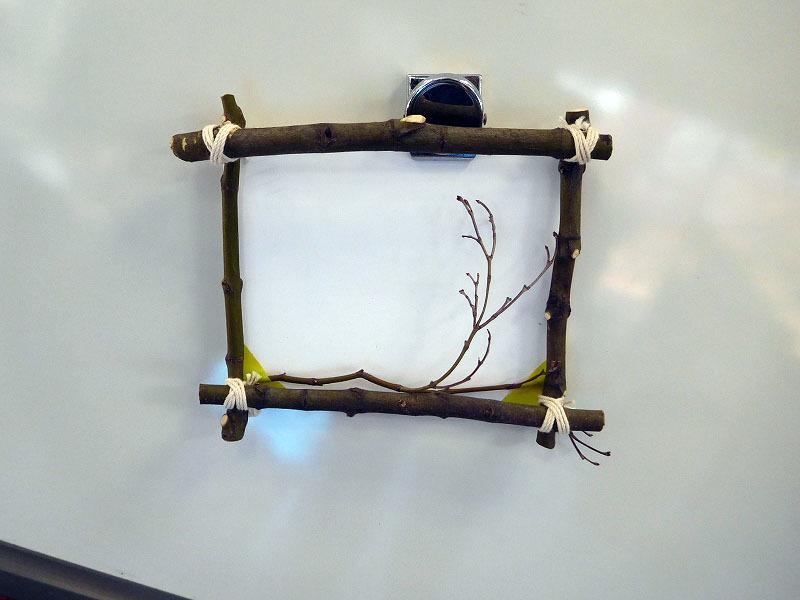 枝を使って工作しよう!_b0049307_11355592.jpg