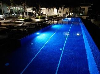 まるでリゾートホテルのようです!_d0091909_14001627.jpg