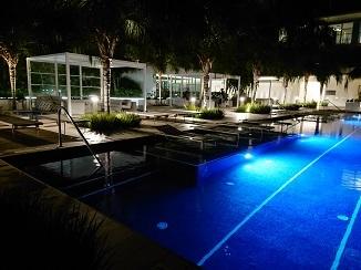 まるでリゾートホテルのようです!_d0091909_14001659.jpg