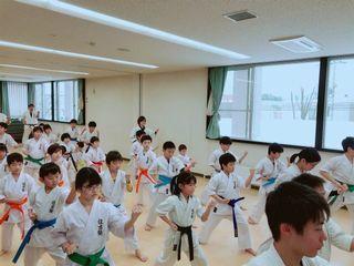 日曜空手 新琴似・新川教室_c0118332_16352159.jpg