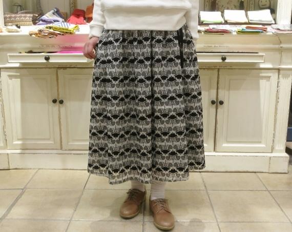 Porter des boutons から、刺繍が美しいシリーズです。_c0227633_14084618.jpg