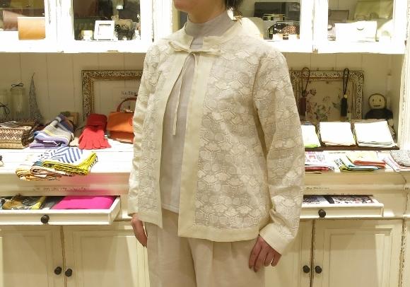 Porter des boutons から、刺繍が美しいシリーズです。_c0227633_14110105.jpg