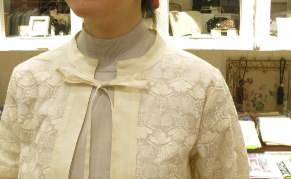 Porter des boutons から、刺繍が美しいシリーズです。_c0227633_14111654.jpg