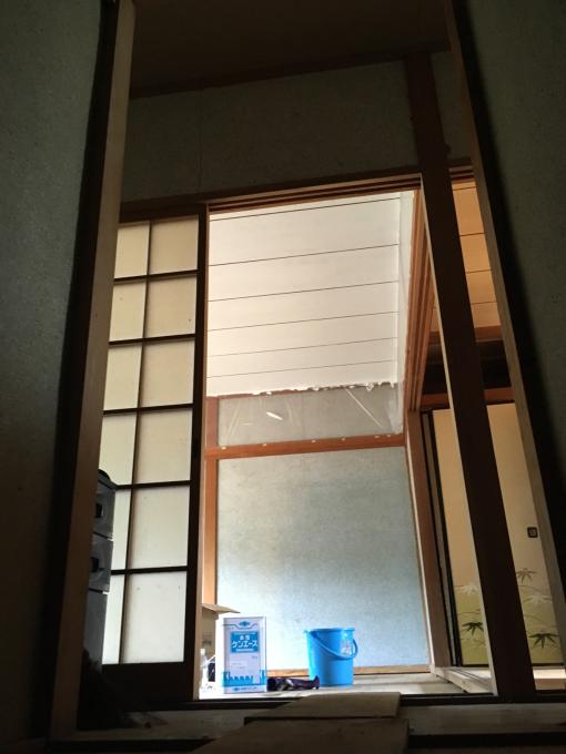 娘の部屋その4。隣の部屋との仕切りを作りました。_f0182246_14584633.jpg