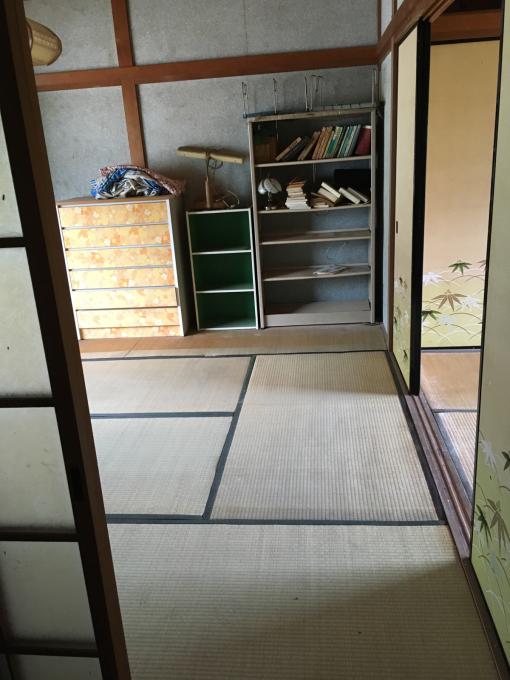 娘の部屋その4。隣の部屋との仕切りを作りました。_f0182246_14591195.jpg