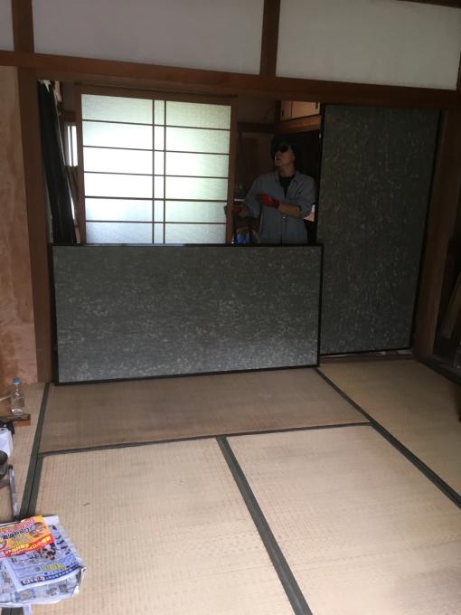 娘の部屋その4。隣の部屋との仕切りを作りました。_f0182246_14595472.jpg