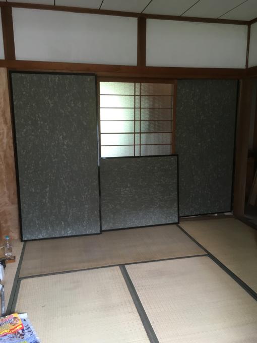 娘の部屋その4。隣の部屋との仕切りを作りました。_f0182246_15001514.jpg