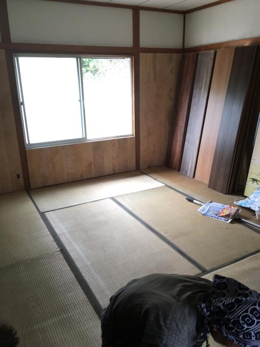 娘の部屋その5。薄いアルミサッシの窓をどうしようか。_f0182246_15051181.jpg