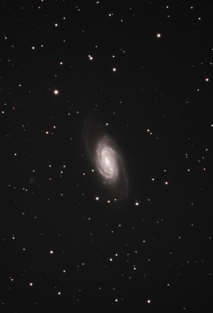 NGC2903 しし座の棒渦巻銀河 : 星も車もやっぱりスバルっ!!