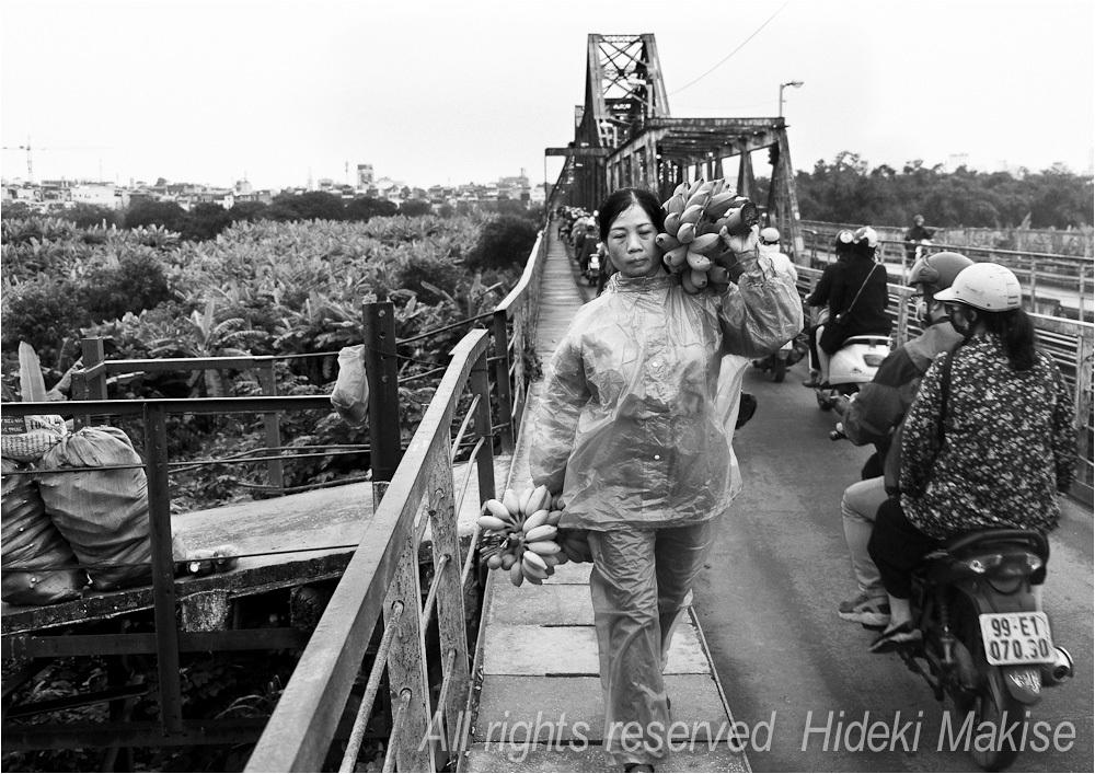 千年都市ハノイ ベト鉄撮影行(11)ロンビエン鉄橋(6)歩いて(4)_c0122685_12501517.jpg