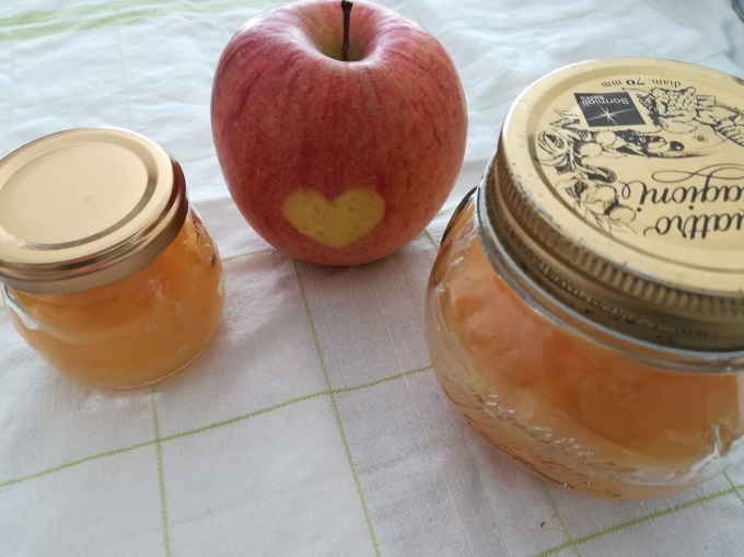 ハートのりんごとりんごジャム_b0140017_13501079.jpg