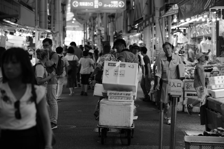 「夏」が好きな人~金沢近江町市場にて~_d0349418_20493775.jpg