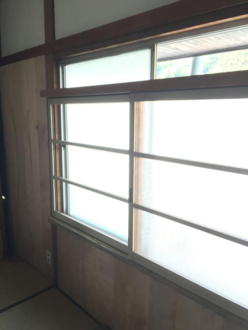 娘の部屋その5。薄いアルミサッシの窓をどうしようか。_f0182246_21032307.jpg