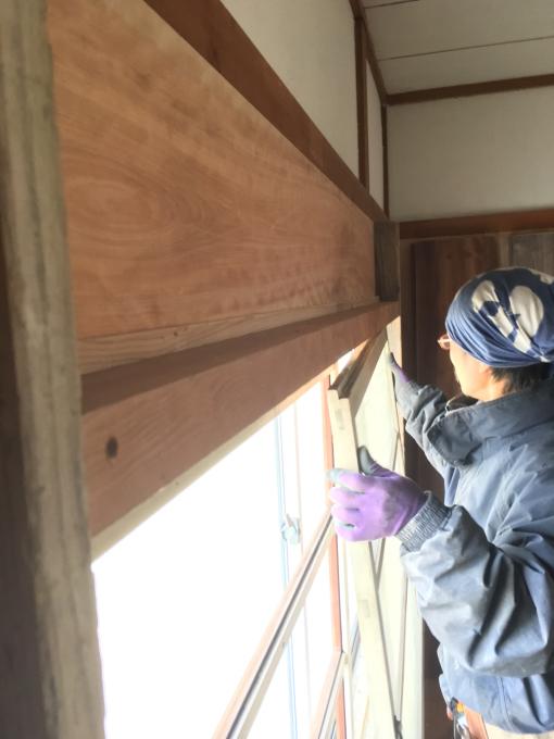 娘の部屋その5。薄いアルミサッシの窓をどうしようか。_f0182246_21042297.jpg