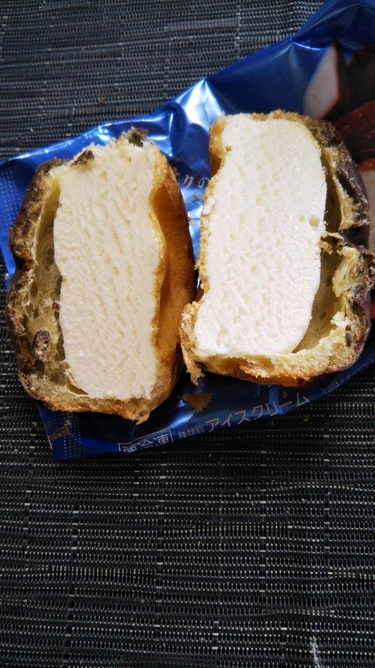 北海道ミルクのチョコがけシューアイス_f0076001_2363267.jpg