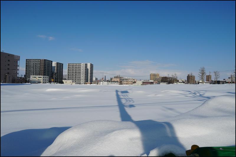 この雪の景色 見納です(新さっぽろ再開発)_b0019313_16041256.jpg