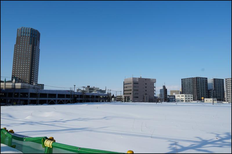 この雪の景色 見納です(新さっぽろ再開発)_b0019313_16043455.jpg