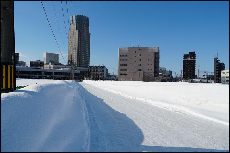 この雪の景色 見納です(新さっぽろ再開発)_b0019313_16071064.jpg