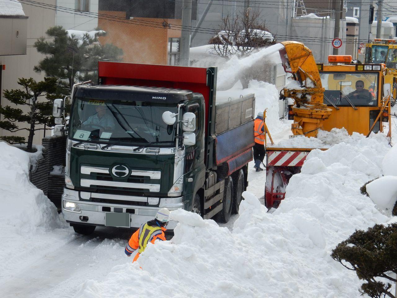 ようやく排雪チューズデー_c0025115_22023744.jpg