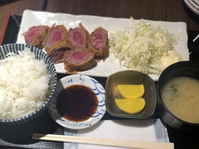 牛カツ定食_a0108616_12290376.jpeg