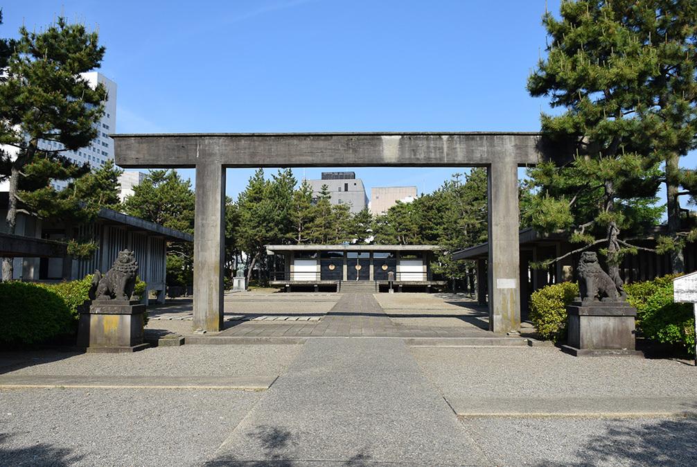 越前松平家の福井城跡を歩く。 その4 ~福井神社~_e0158128_18231227.jpg