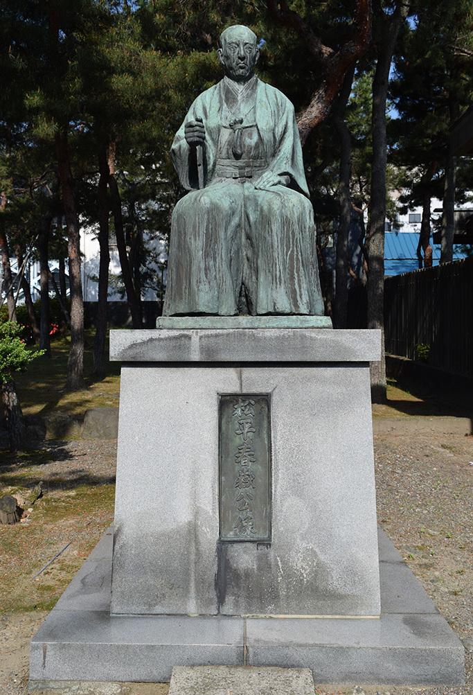 越前松平家の福井城跡を歩く。 その4 ~福井神社~_e0158128_18290883.jpg