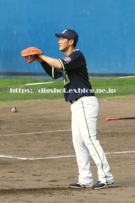 荒木貴裕選手2019沖縄キャンプ(動画2)_e0222575_15473773.jpg