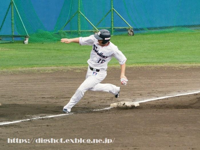 荒木貴裕選手2019沖縄キャンプ(動画2)_e0222575_1613373.jpg