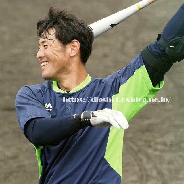 荒木貴裕選手2019沖縄キャンプ(動画2)_e0222575_2042481.jpg