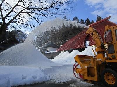 大祭雪不足~雪搬入_b0092684_15091346.jpg
