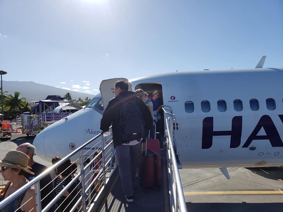 ハワイ島コナ空港から第2次キャンプ地、オアフ島ホノルル国際空港に移動!_c0186691_13475399.jpg