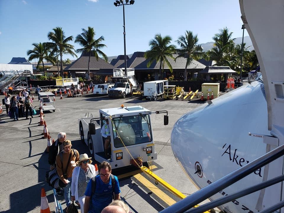 ハワイ島コナ空港から第2次キャンプ地、オアフ島ホノルル国際空港に移動!_c0186691_13480975.jpg